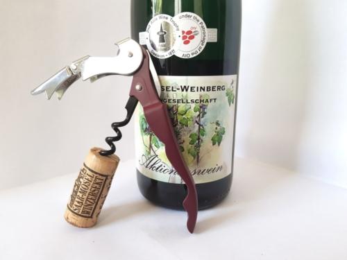 Öffnen einer Weinflasche (5)